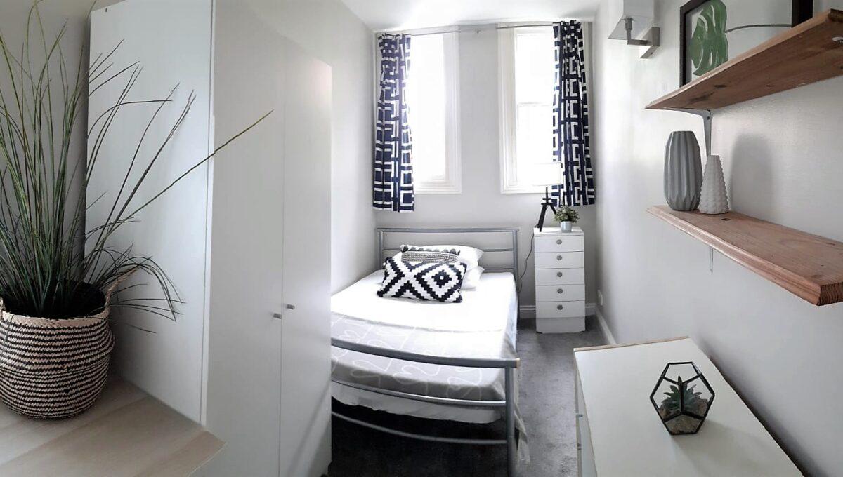 Room 4 in 104B