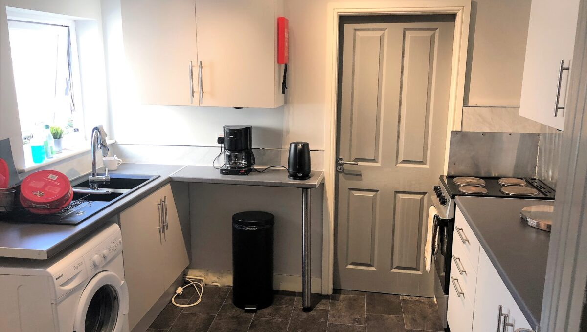 9A Holberry Close - Kitchen 1